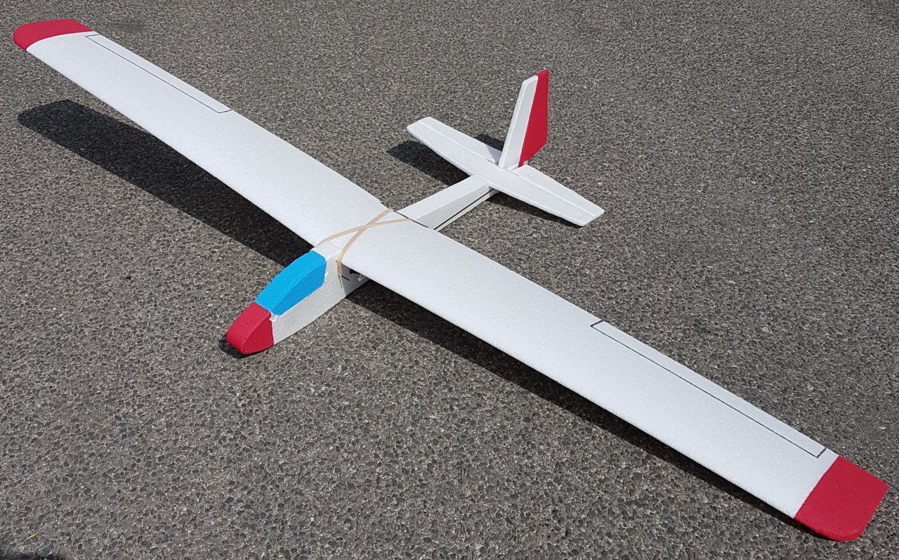 Segelflugmodell K8, EPP-Bausatz