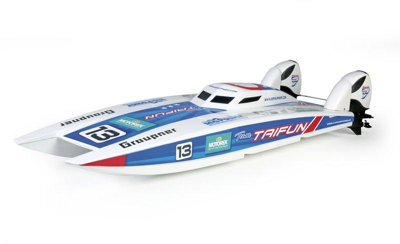 Race Katamaran Taifun
