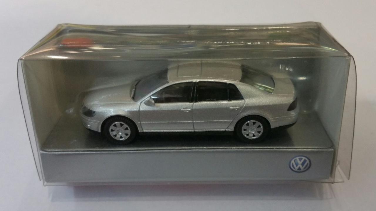 VW Phaeton Modellauto Wiking 1:87 silber